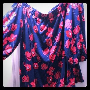 Large off the shoulder floral top. Stitch fix